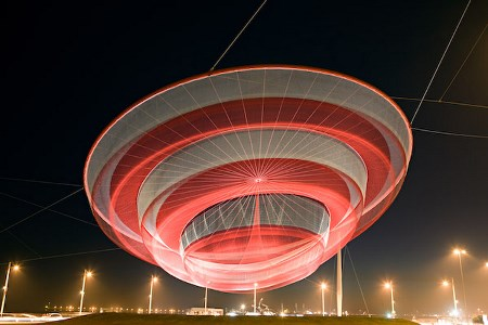 Janet Echelman (Fellow '99, '09), SHE CHANGES, NET NO. 2 (2008) Polyester fiber, steel, 50x150x150 meters